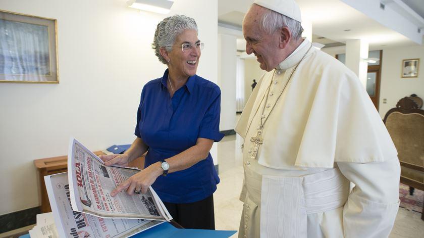 Uma prenda especial. Quando a equipa do Papa veio a Portugal