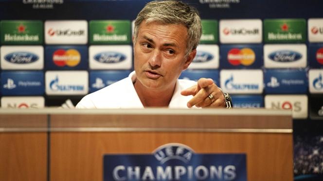 Mourinho anuncia o onze que vai apresentar frente ao Dortmund