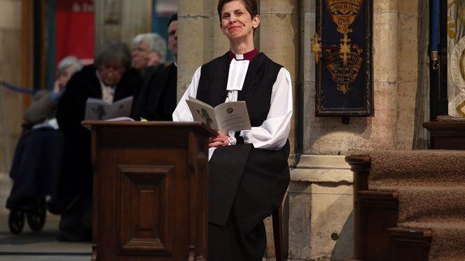 O que diz a Igreja Católica sobre a ordenação de mulheres?