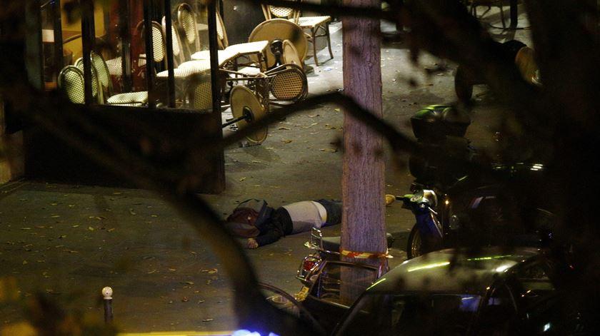 Os ataques em Paris vistos pelas redes sociais