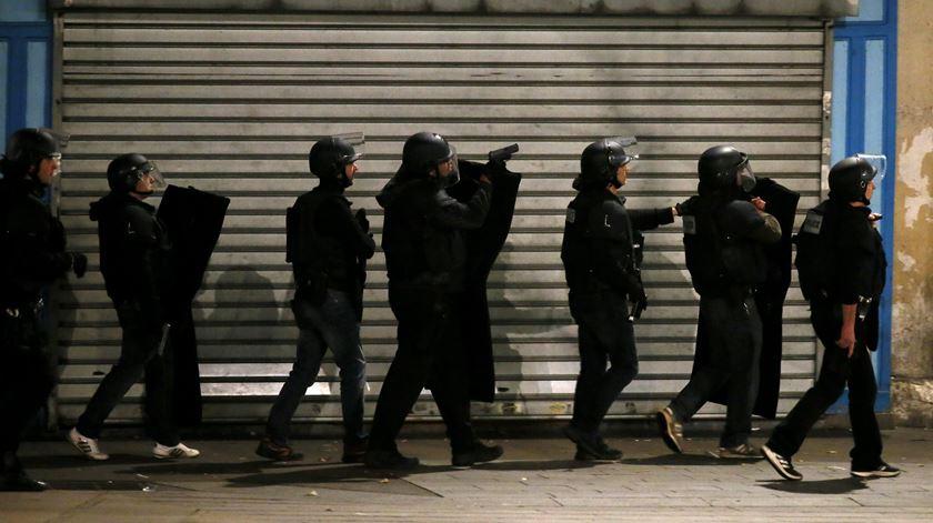 Tiroteio em rusga policial em Paris. Dois suspeitos mortos