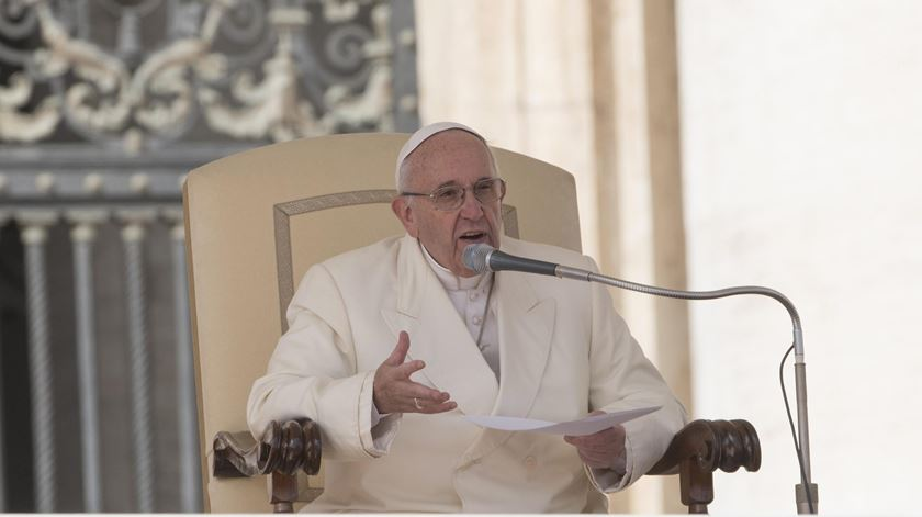 """Papa critica """"fechar de portas"""" a quem vive """"situação real e dramática de exílio"""""""