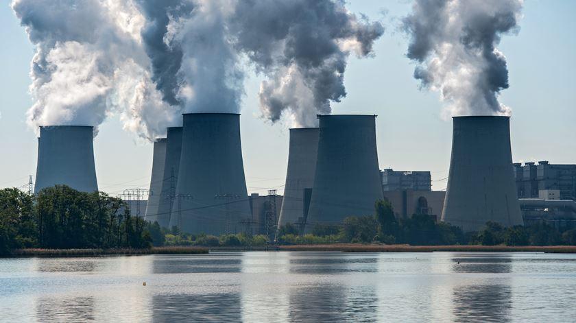 Governador do Banco de Inglaterra quer obrigar empresas a avaliar e publicar risco climático