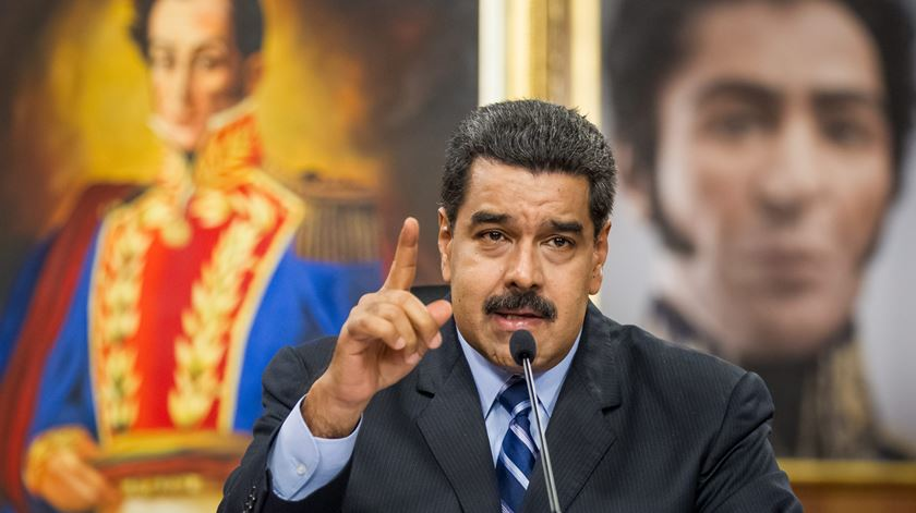 Forças Armadas da Venezuela confirmam lealdade a Nicolás Maduro
