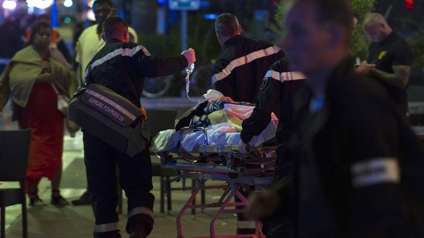 Morre um dos feridos do atentado de Nice. Número de vítimas sobe para 86