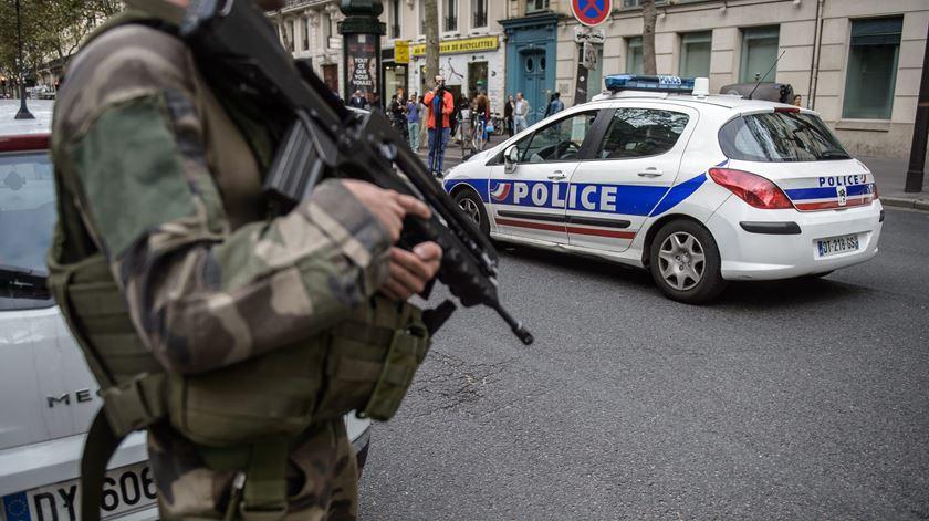 Paris e Bruxelas. Terroristas receberam ordens da cúpula do Estado Islâmico
