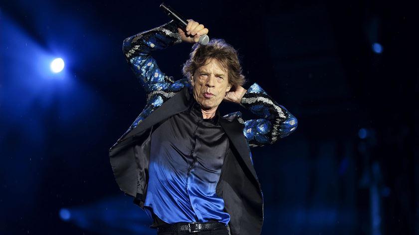 Mick Jagger lança músicas de sátira sobre o Brexit e Trump