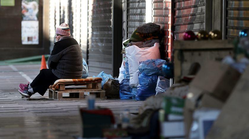 Amnistia quer resposta a sem-abrigo e despejos forçados na Lei de Bases da Habitação