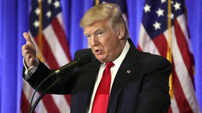 Presidente apressa Senado. Trump quer ministros a trabalhar rapidamente