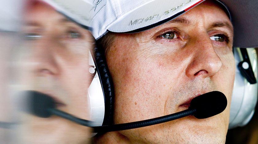 """Representante explica razões do """"secretismo"""" sobre saúde de Schumacher"""