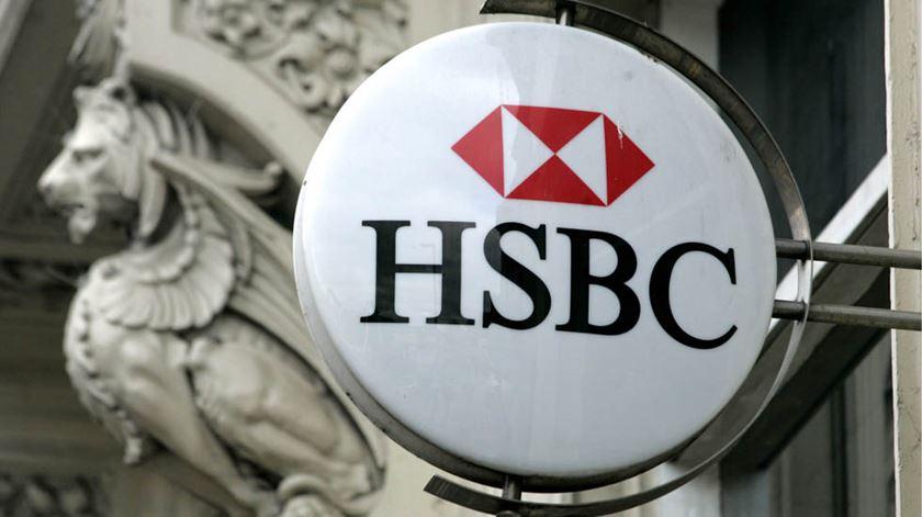 HSBC corta 35.000 postos de trabalho para reduzir custos
