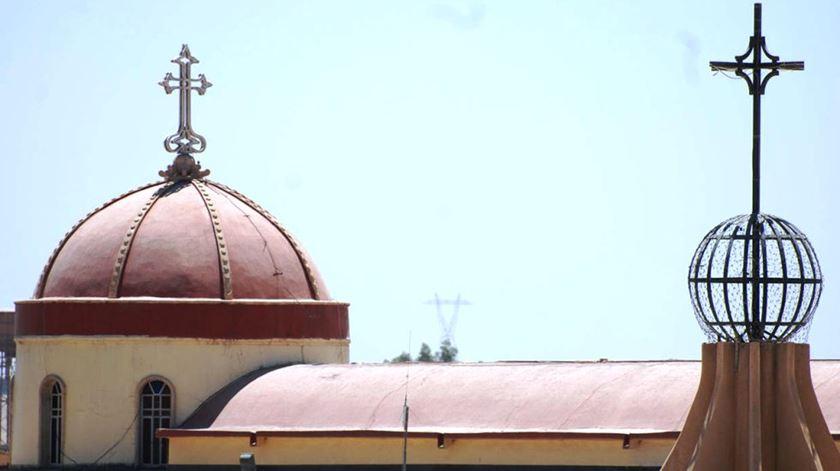 A cidade de Qaraqosh, quase inteiramente cristã, foi ocupada pelo Estado Islâmico em Agosto de 2014. Todos os cristãos fugiram ou foram mortos. Foto: DR
