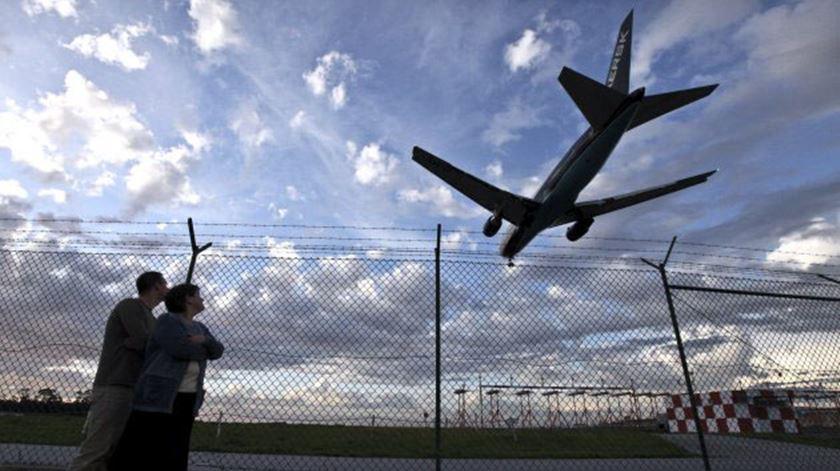 Agência admite avaliação de impacto ambiental às obras no aeroporto da Portela