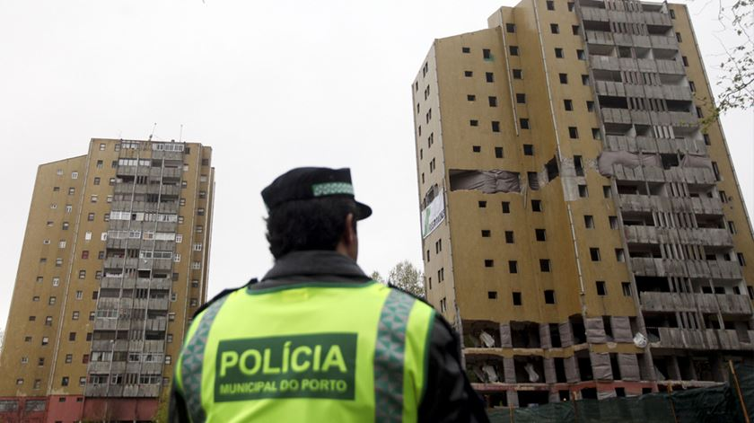 Reportagem do jornalista Pedro Mesquita no Bairro do Aleixo