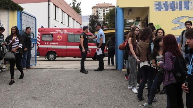 Estudante que esfaqueou colegas em Massamá vai a tribunal em Janeiro