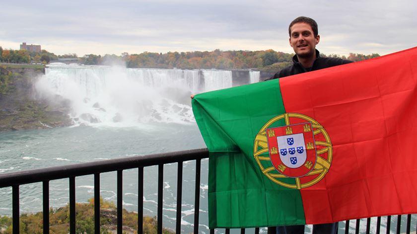 André Leonardo nas cataratas do Niagara