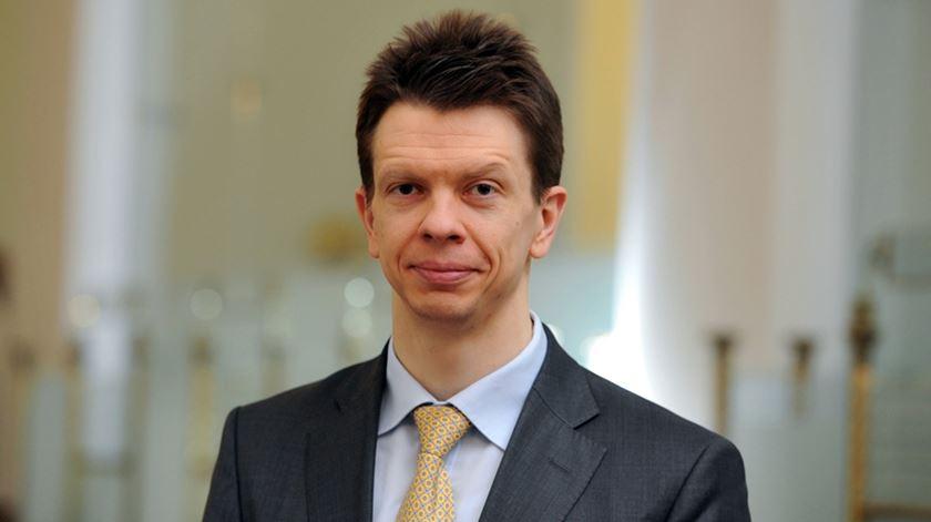 """Andris Strazds, economista-chefe do banco central da Letónia: o país """"estava a viver acima das suas possibilidades"""""""