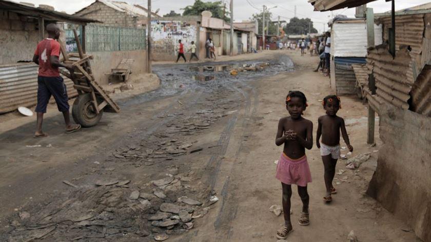 Angola é terra de enormes desigualdades sociais. Foto: EPA