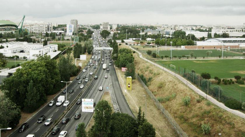 Obras de repavimentação da Segunda Circular adjudicadas por 4,3 milhões de euros