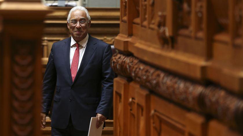 """""""É geringonça, mas funciona"""". Um ano de Governo Costa"""