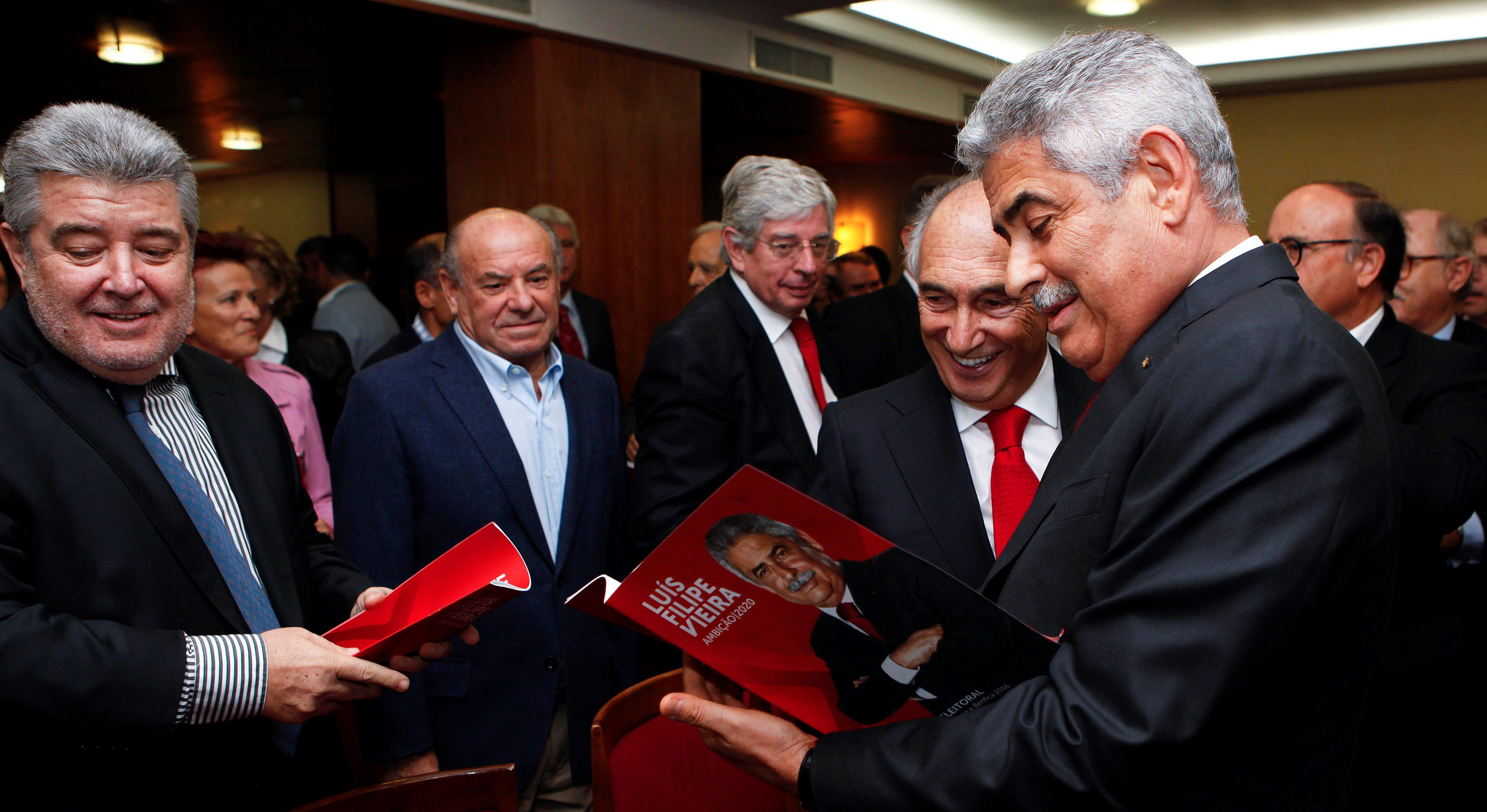 8a7f95a4ec António Figueiredo (à esquerda) visa presidentes de Sporting e FC Porto.  Foto  António Pedro Santos Lusa