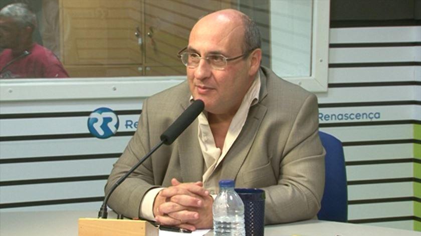 """António Vitorino. Europa terá """"grave problema de legitimidade"""" se Plano Juncker falhar."""