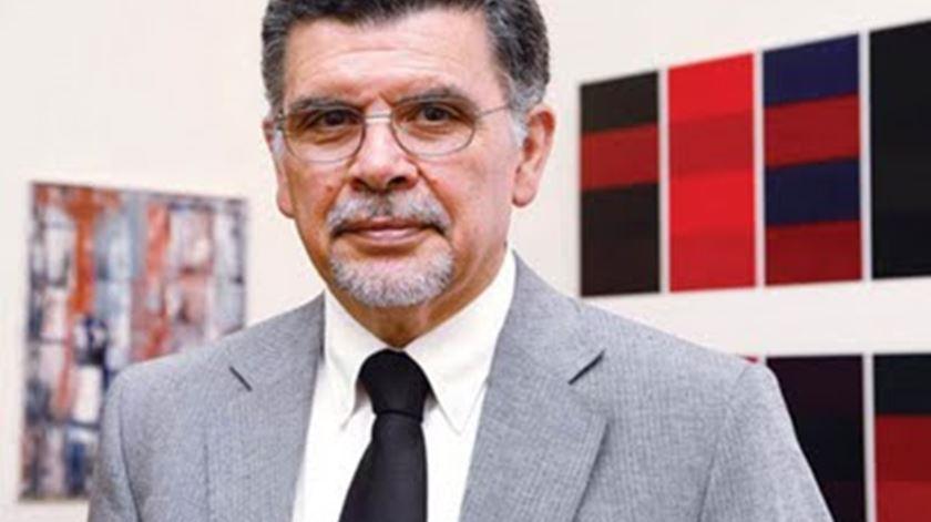 António Capucho critica exemplo dado por Cavaco Silva, mas não censura a sua intenção. Foto: DR