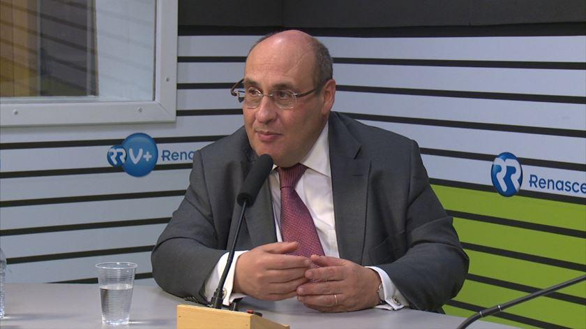 """António Vitorino. """"Há uma fractura Este/Oeste na Europa sobre imigração e refugiados"""""""