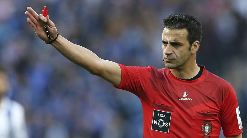 Manuel Oliveira apita o FC Porto-Santa Clara