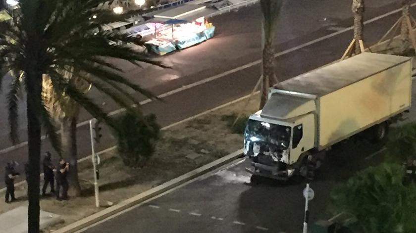 Cinco acusados de envolvimento no ataque em Nice