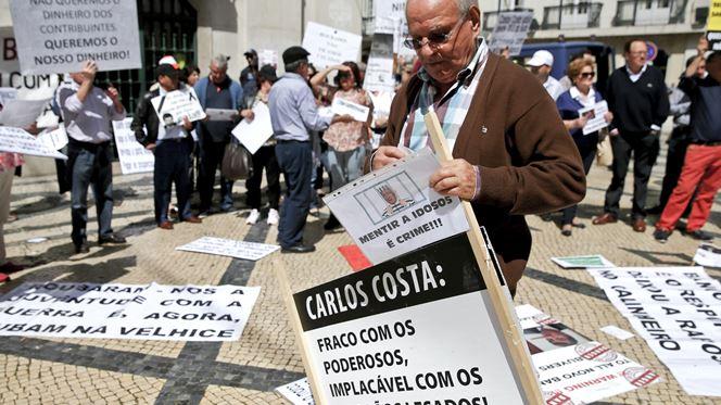 Emigrantes lesados do BES vão manifestar-se todos os dias por todo o país