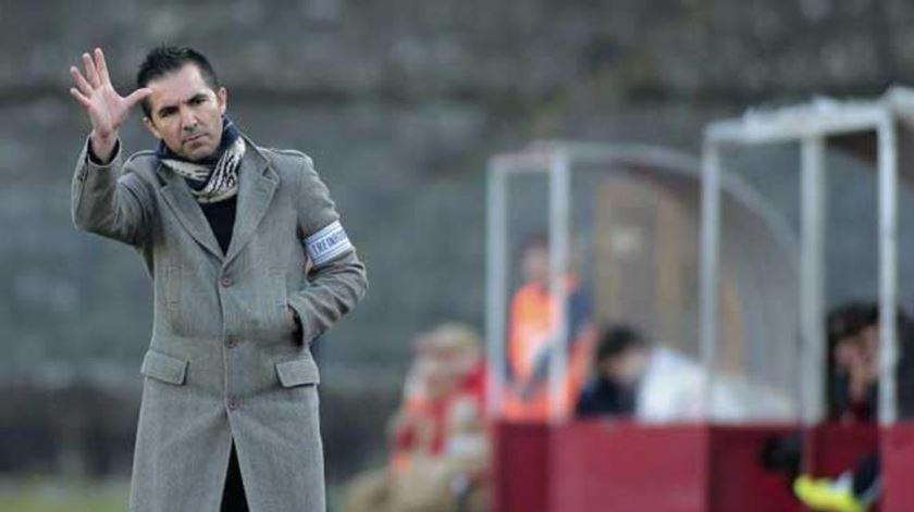 Carlos Pinto já não é treinador do Leixões