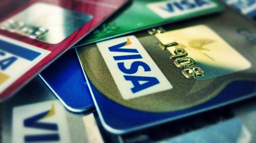 O amor dos portugueses pelos cartões de crédito