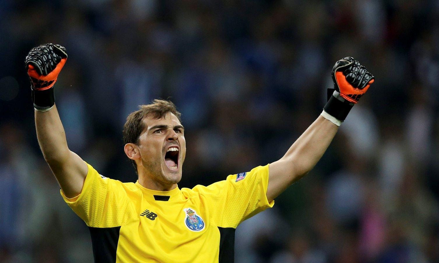 Casillas só se foca no presente (e futuro) de dragão ao peito. Foto  José  Coelho Lusa 6c8623c300988