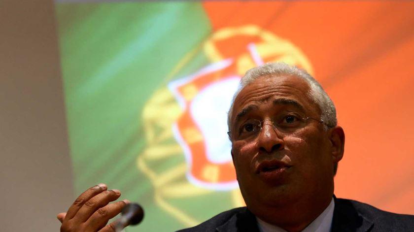 """Costa pede ajuda internacional e """"particular cuidado"""" à população"""