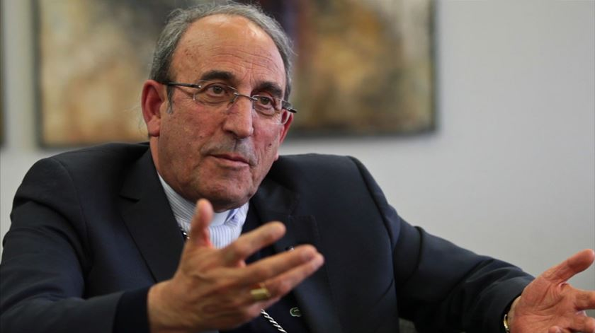 """Bispo de Leiria-Fátima pede exigência a cidadãos e políticos para enfrentar """"onda de populismos"""""""