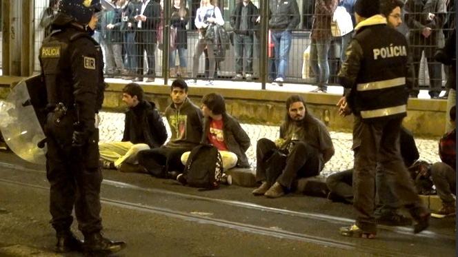 Manifestantes detidos na zona do Cais do Sodré