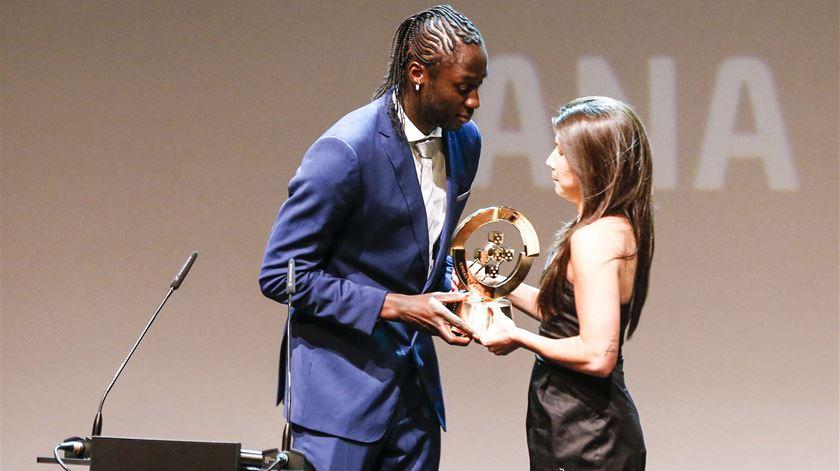 Jogadora do Chelsea distinguida como a melhor do ano. Foto: FPF