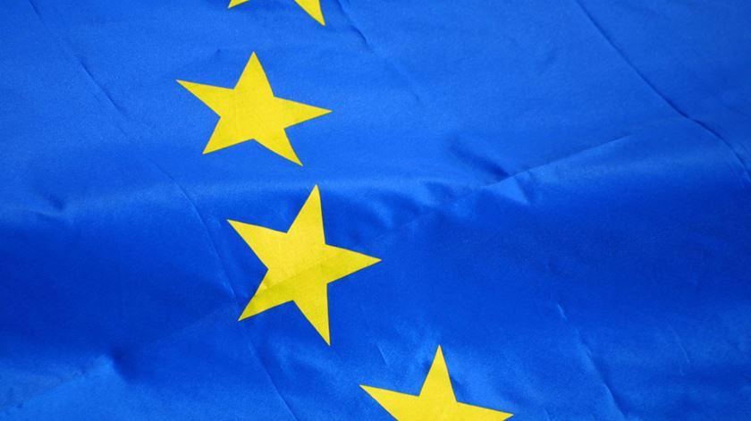 """Campanha com """"pouca Europa, muito folclore"""""""