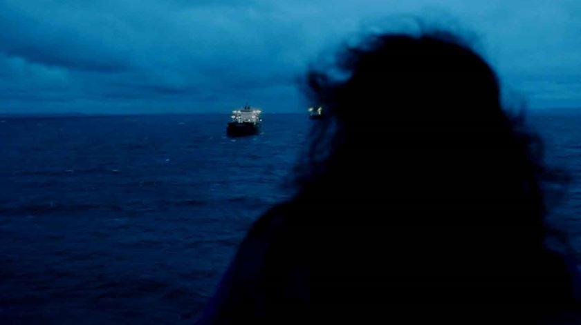 Um festival olha para o Mediterrâneo e cruza-se com os refugiados. De hoje e de ontem