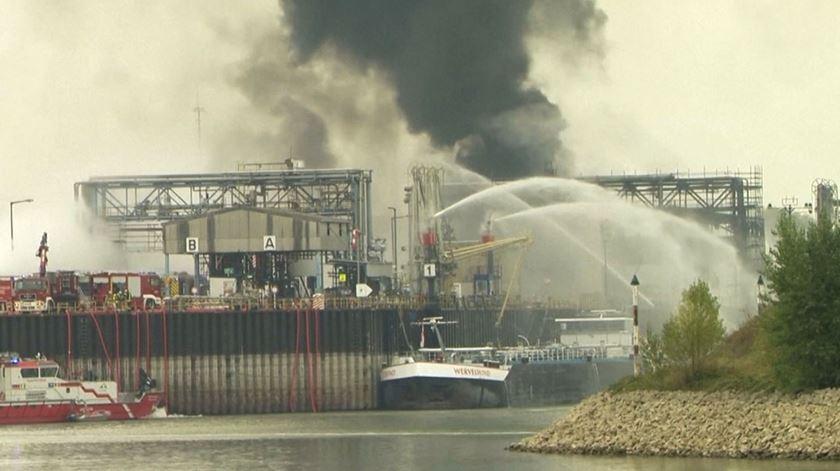 Alemanha. Explosão em fábrica da BASF causa vários feridos e desaparecidos