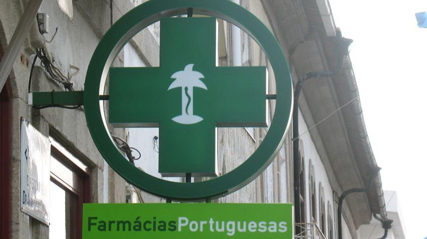 """Indústria farmacêutica recusa """"veementemente qualquer pressão"""" sobre deputados"""