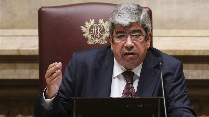 "Ferro insurge-se contra tentativa de ""linchamento"" de Vítor Constâncio"