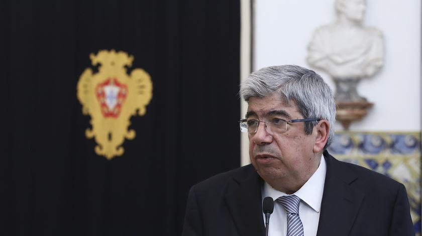 Ferro Rodrigues chama partidos para debater falsas presenças e viagens dos deputados