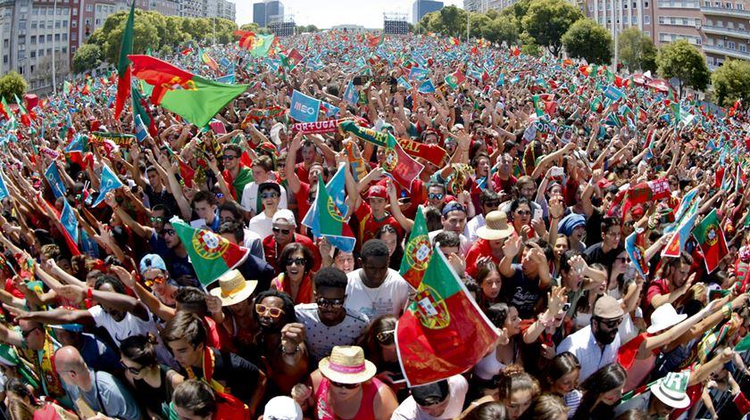 """Do beatbox de Nani ao """"Siii!"""" de Ronaldo. A festa na Alameda"""