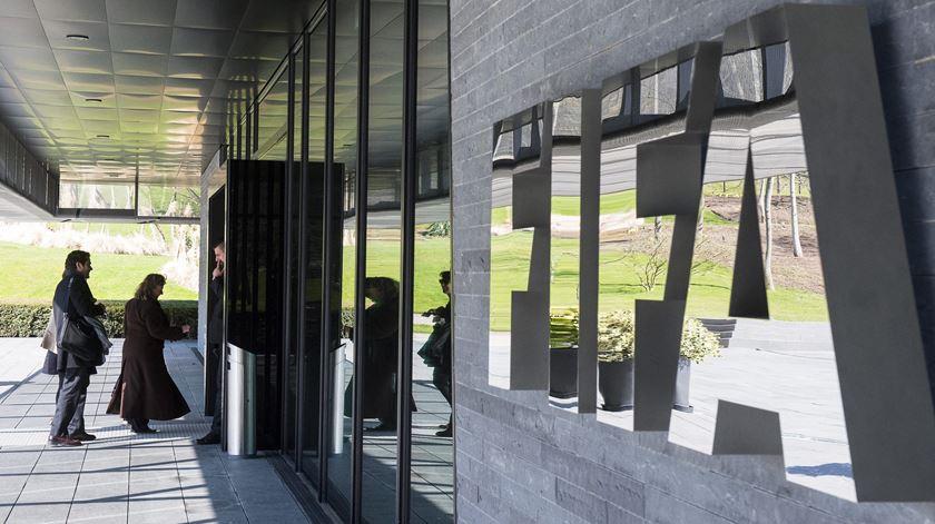 FIFA irradia oito jogadores e um agente por manipulação de resultados