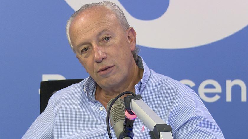 """Santana Lopes: """"Houve um golpe constitucional no Brasil"""""""