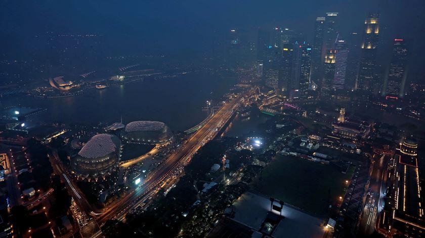 Esta cidade-Estado no sudeste asiático receberá cerca de 8.6 milhões de visitantes até ao fim de 2018. Um crescimento de 5.3% em comparação com o ano passado. Foto: Wallace Woon/EPA