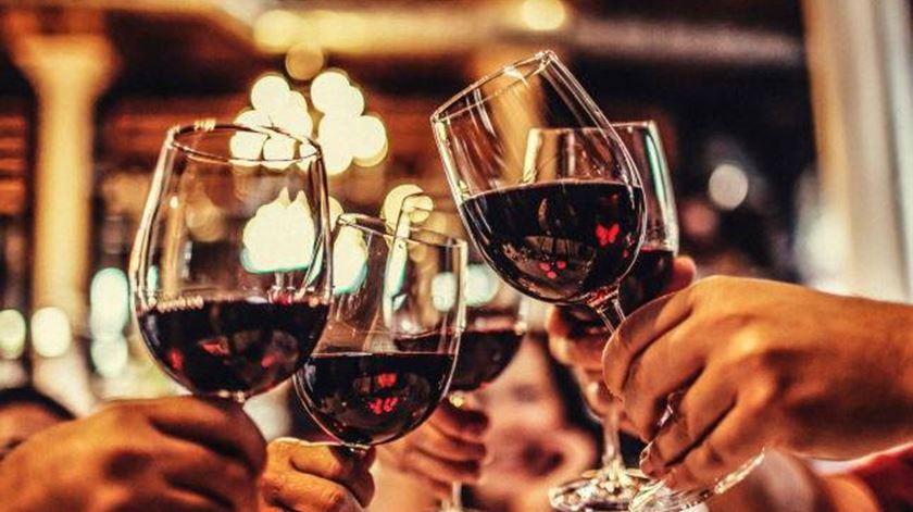 O Mundo em Três Dimensões - Consumo de vinho - 24/05/2017