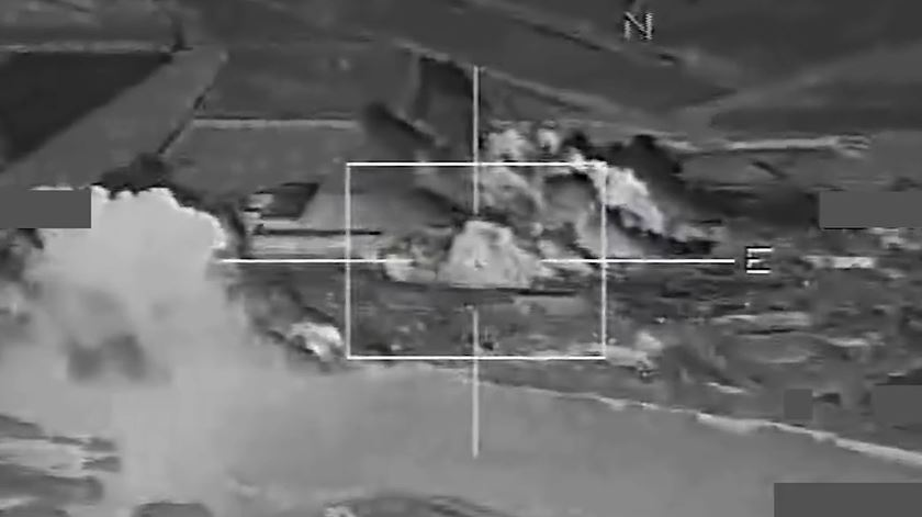 Imagens dos ataques aéreos franceses na Síria